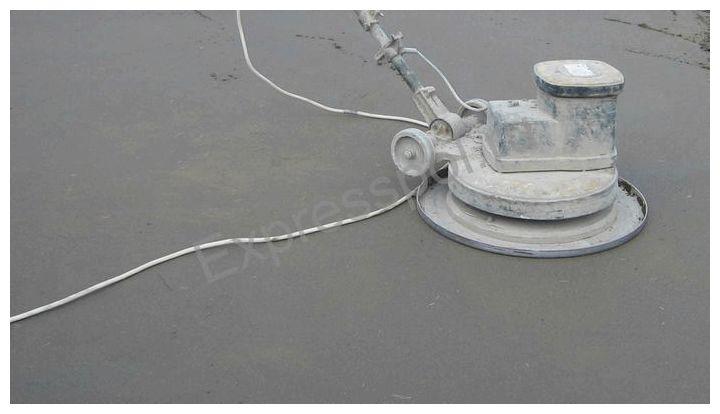 Выполняем устройство полусухой стяжки с армированием