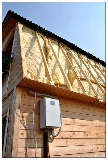 Теплоизоляция ската крыши рулонным утеплителем